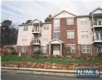 Morris County Condo/Townhouse For Sale: 62 Mountainview Court