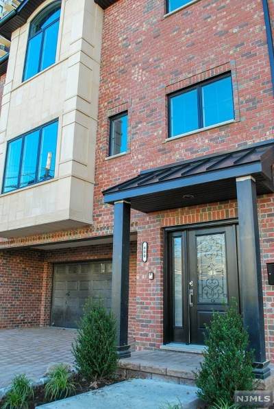 Fort Lee NJ Condo/Townhouse For Sale: $919,000