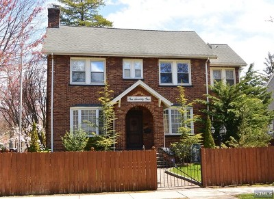 Ridgefield Park Single Family Home For Sale: 171 Euclid Avenue