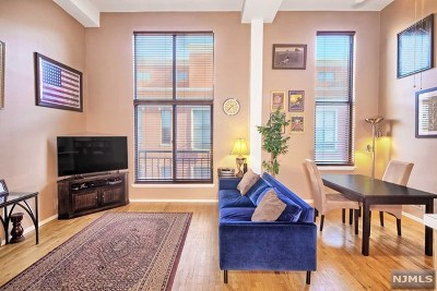 Weehawken Condo/Townhouse For Sale: 518-536 Gregory Avenue #A424
