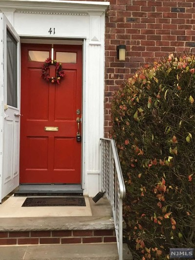 Hackensack Condo/Townhouse For Sale: 480 Crestwood Avenue #41