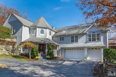 Morris County Single Family Home For Sale: 1 The Crossway