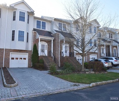 Morris County Condo/Townhouse For Sale: 10 Silverleaf Court
