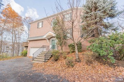 Passaic County Condo/Townhouse For Sale: 19 Summer Hill Road