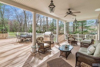 Bergen County Single Family Home For Sale: 731 Beechcrest Drive