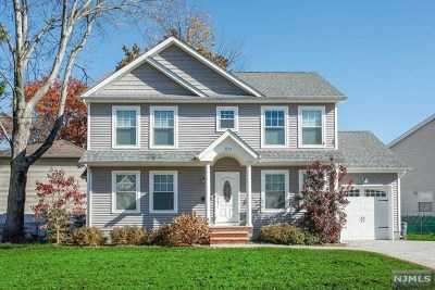Fair Lawn Single Family Home For Sale: 4-21 26th Street