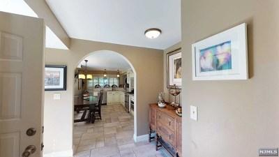 Mahwah Condo/Townhouse For Sale: 639 Blue Ridge Lane