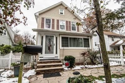 Morris County Single Family Home For Sale: 20 Post Lane
