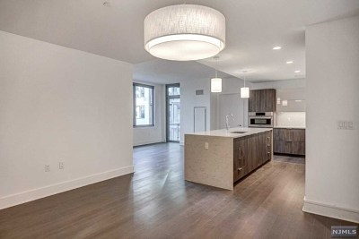 West New York Condo/Townhouse For Sale: 9 Ave At Port Imperial #1112