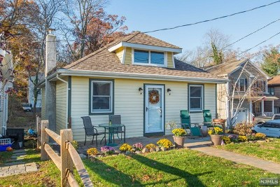 Morris County Single Family Home For Sale: 75 West Shore Road