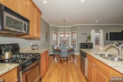 Bergen County Condo/Townhouse For Sale: 109 Hawthorne Avenue