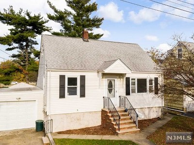 Bergen County Single Family Home For Sale: 31 Norwood Avenue