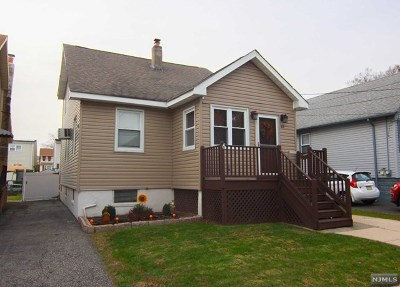 Essex County Single Family Home For Sale: 63 Center Street