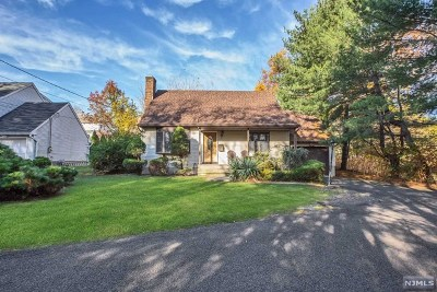 Oradell Single Family Home For Sale: 438 Argyle Street