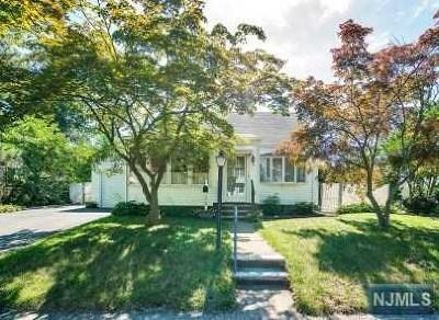 Fair Lawn Single Family Home For Sale: 12-68 Sunnyside Drive