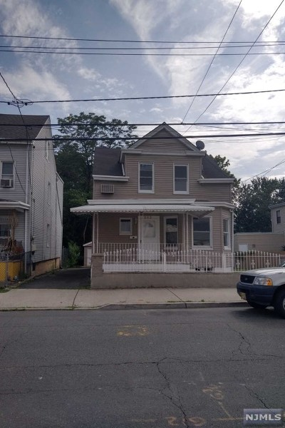 Passaic County Single Family Home For Sale: 343 West Clinton Street