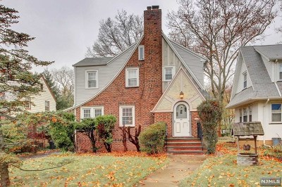 Teaneck Single Family Home For Sale: 1284 Sussex Road