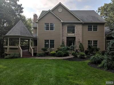 Morris County Single Family Home For Sale: 55 Pheasant Run