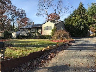 West Milford Single Family Home For Sale: 103 Lakeside Road