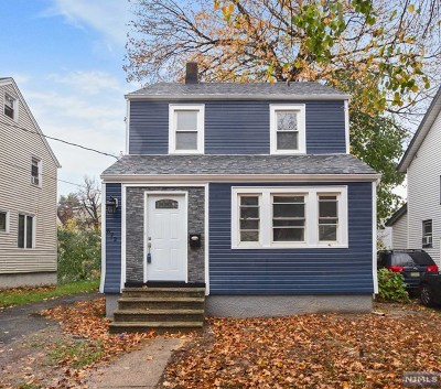 Teaneck NJ Single Family Home For Sale: $449,000
