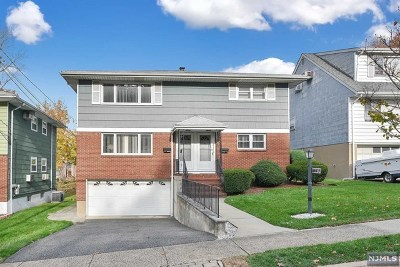 Bergen County Multi Family 2-4 For Sale: 577 Carpenter Place