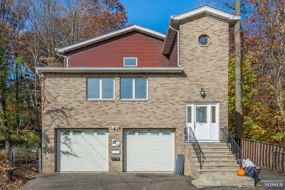 Passaic County Multi Family 2-4 For Sale: 32 Avenue C