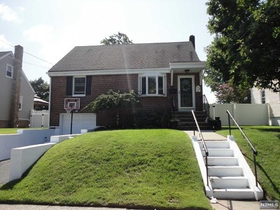 Saddle Brook Single Family Home For Sale: 136 Lincoln Avenue