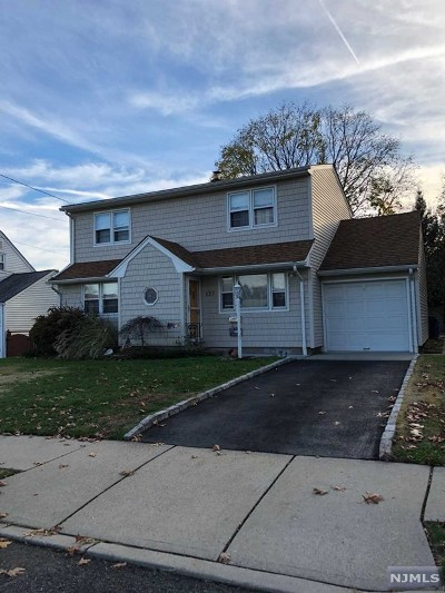 Passaic County Single Family Home For Sale: 127 Knollwood Terrace