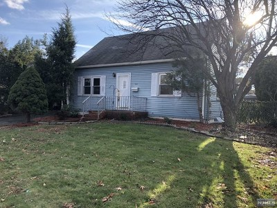 Clifton Single Family Home For Sale: 561 Allwood Road