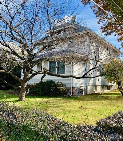Rochelle Park Single Family Home For Sale: 336 Rochelle Avenue
