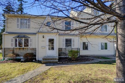 Teaneck Single Family Home For Sale: 1556 Walden Street