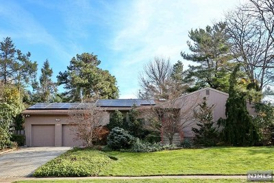 Clifton Single Family Home For Sale: 208 Charles Street