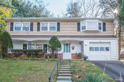 Wanaque Single Family Home For Sale: 4 Lovell Drive