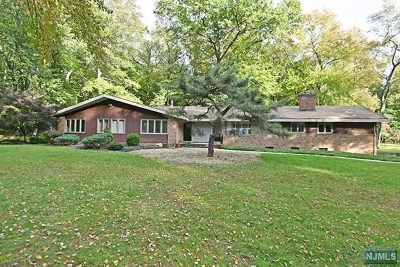 Ho-Ho-Kus Single Family Home For Sale: 50 Deerhill Drive
