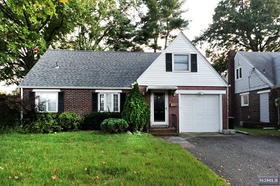 New Milford Single Family Home For Sale: 246 Linden Place