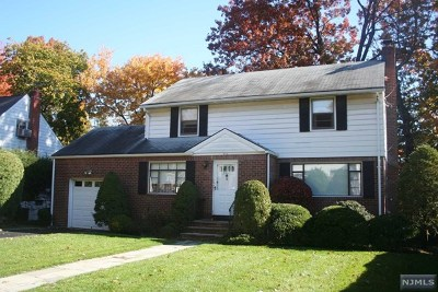 Teaneck Single Family Home For Sale: 973 Sheffield Road