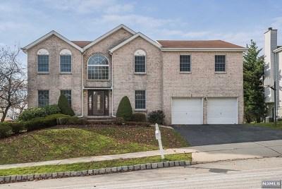 Wayne Single Family Home For Sale: 8 Fox Boro Road