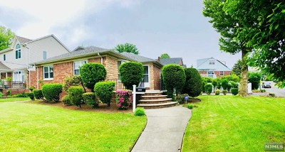 Fort Lee Single Family Home For Sale: 1002 Glen Road