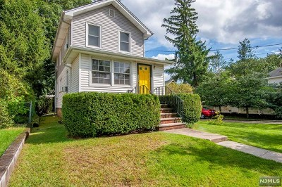 Bergen County Single Family Home For Sale: 19 Oak Street