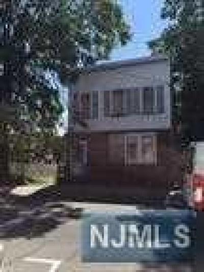 Hudson County Multi Family 2-4 For Sale: 142 Schuyler Avenue