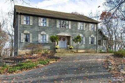 Morris County Single Family Home For Sale: 35 Daniel Lane