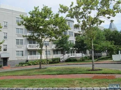 Jersey City NJ Condo/Townhouse For Sale: $399,900