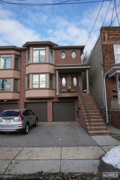 Fairview Condo/Townhouse For Sale: 375b McKinley Street #B