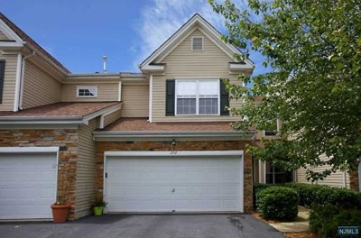 Pompton Lakes Condo/Townhouse For Sale: 232 Ridge Drive