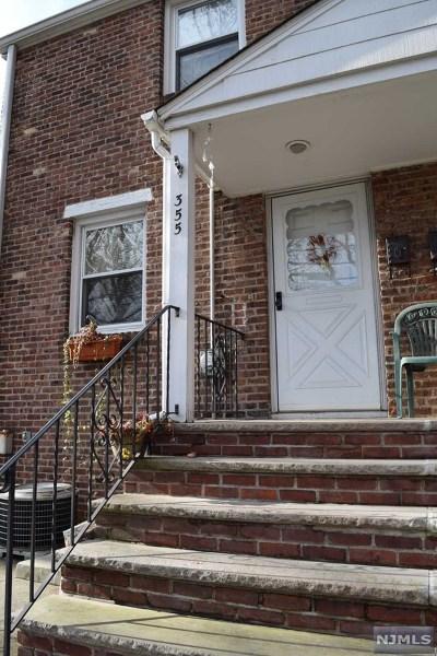 Ridgefield Single Family Home For Sale: 355 Shaler Boulevard