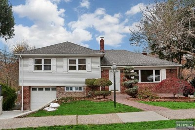 Bergen County Single Family Home For Sale: 657 Oak Street