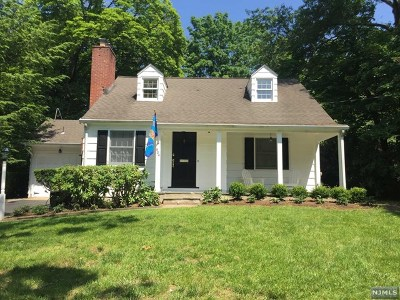 Wyckoff Single Family Home For Sale: 604 Buena Vista Way