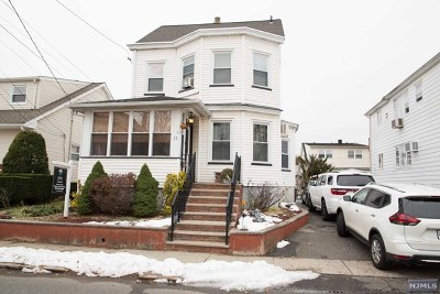 Totowa Single Family Home For Sale: 37 William Place