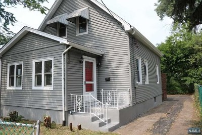 Bogota Single Family Home For Sale: 183 West Park Place