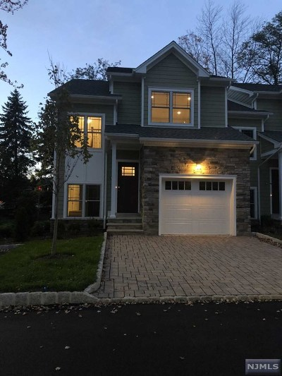 Montvale Condo/Townhouse For Sale: 99 Spring Valley Road #301